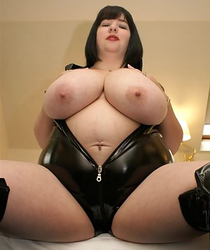 Big Boobs Leather Porn Pictures