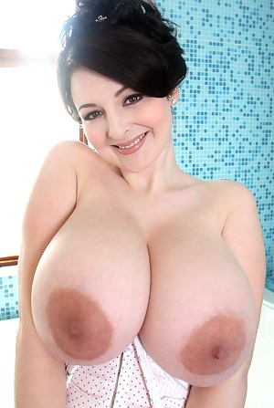 Big Boobs Nipples Porn Pictures
